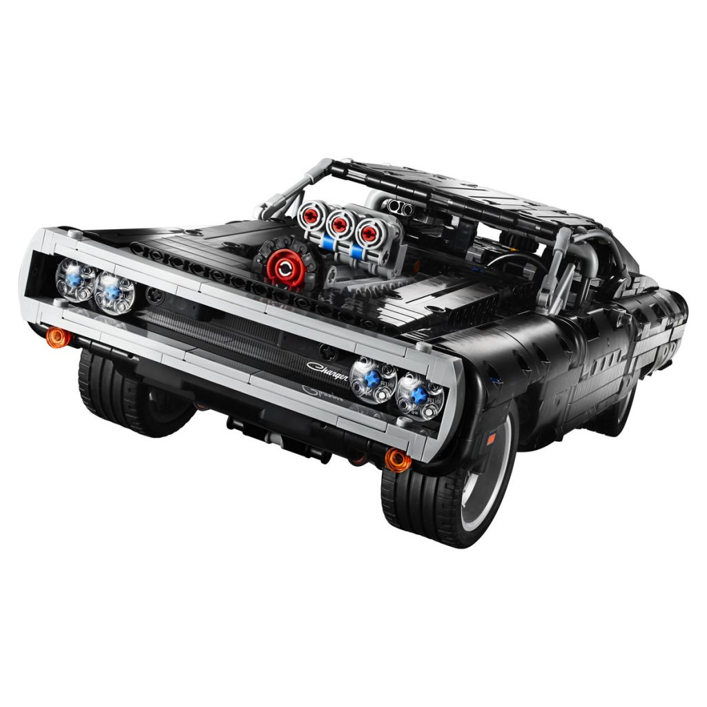 LEGO Technic 42111 Dodge Charger 02