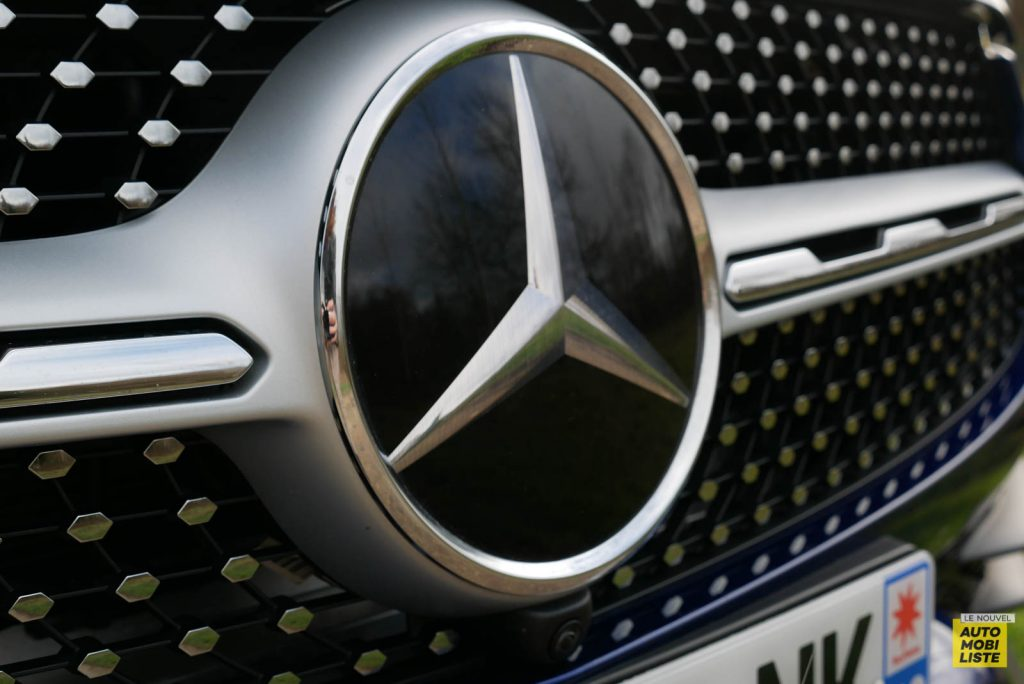 LNA Essai 2001 Mercedes Benz GLC Coupe Ext Detail 01