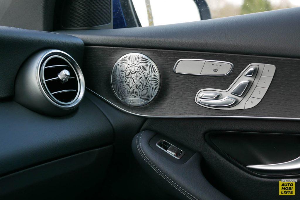LNA Essai 2001 Mercedes Benz GLC Coupe Interieur Detail 05