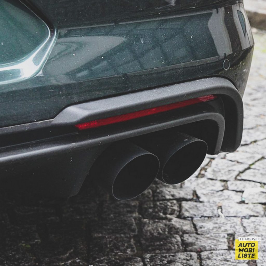 Mustang Echappement Le Nouvel Automobiliste