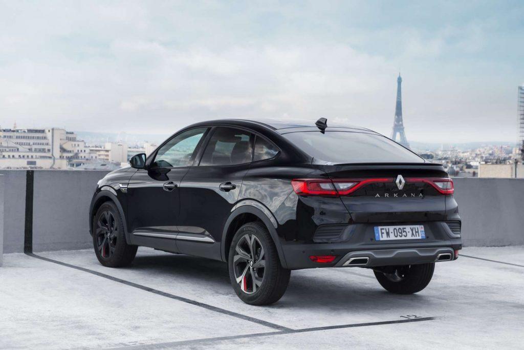 25 2021 Essais presse Renault ARKANA Metallic Black