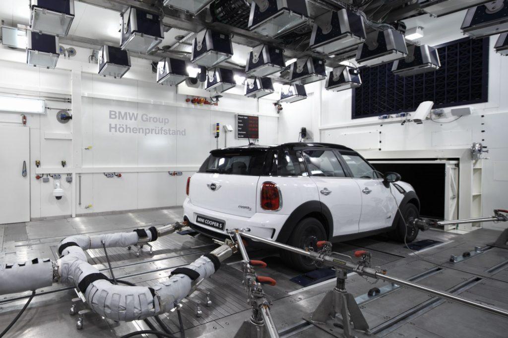 Pollution automobile baisse de la pollution automobile dépollution banc à rouleaux