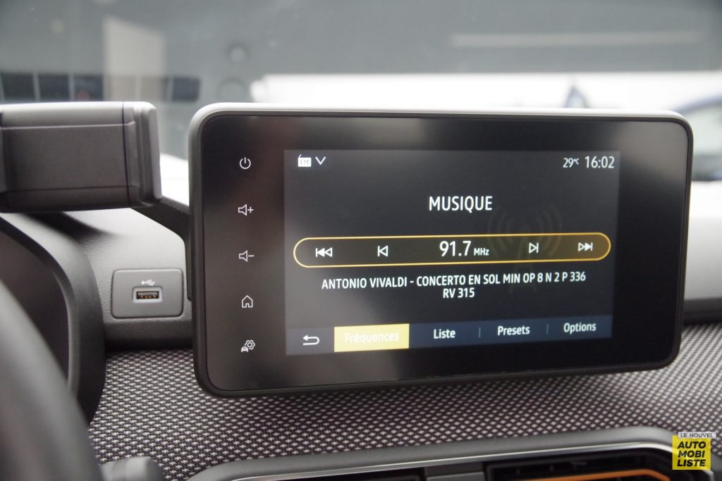 Dacia Sandero Stepway 2020 LNA FM 13