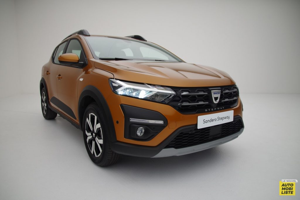 Dacia Sandero Stepway 2020 LNA FM 41