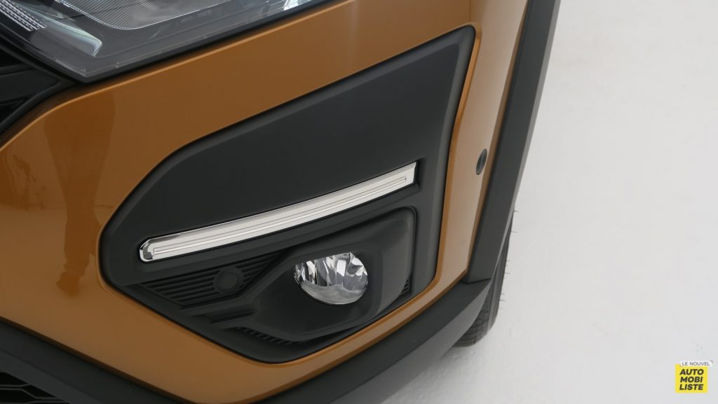 Dacia Sandero Stepway 2020 LNA FM 65