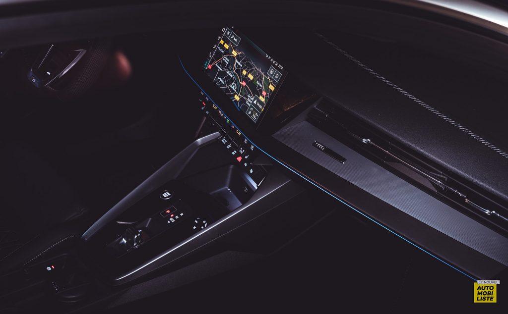 Essai Audi A3 2021 Sportback 35TDI Planche de bord nuit