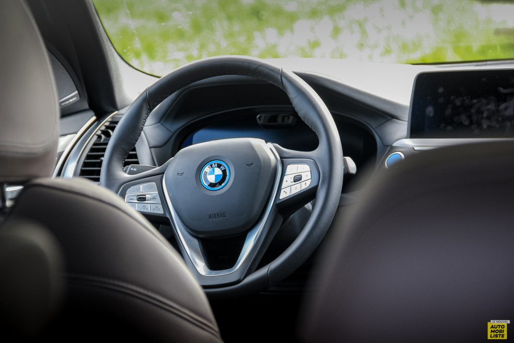 Essai BMW iX3 55