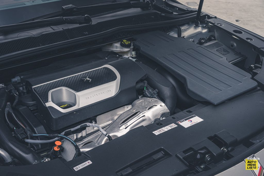 Essai DS9 E Tense THP 225 Hybride Crytal Pearl Finition Rivoli Opera Bloc moteur