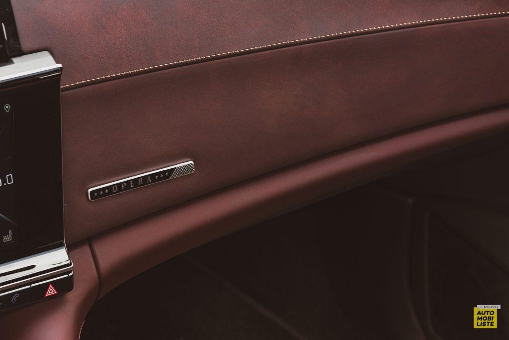 Essai DS9 E Tense THP 225 Hybride Crytal Pearl Finition Rivoli Opera Detail planche de bord 3
