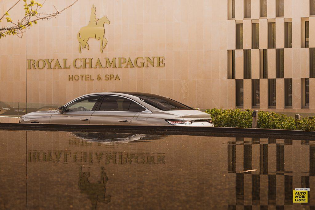 Essai DS9 E Tense THP 225 Hybride Crytal Pearl Finition Rivoli Opera Vue hotel