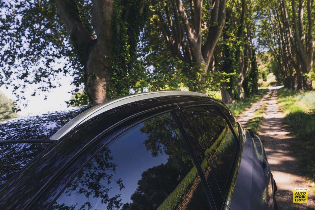 Essai Nissan Qashqai 140 Mildhybrid TeknaGris Argile Barres de toit