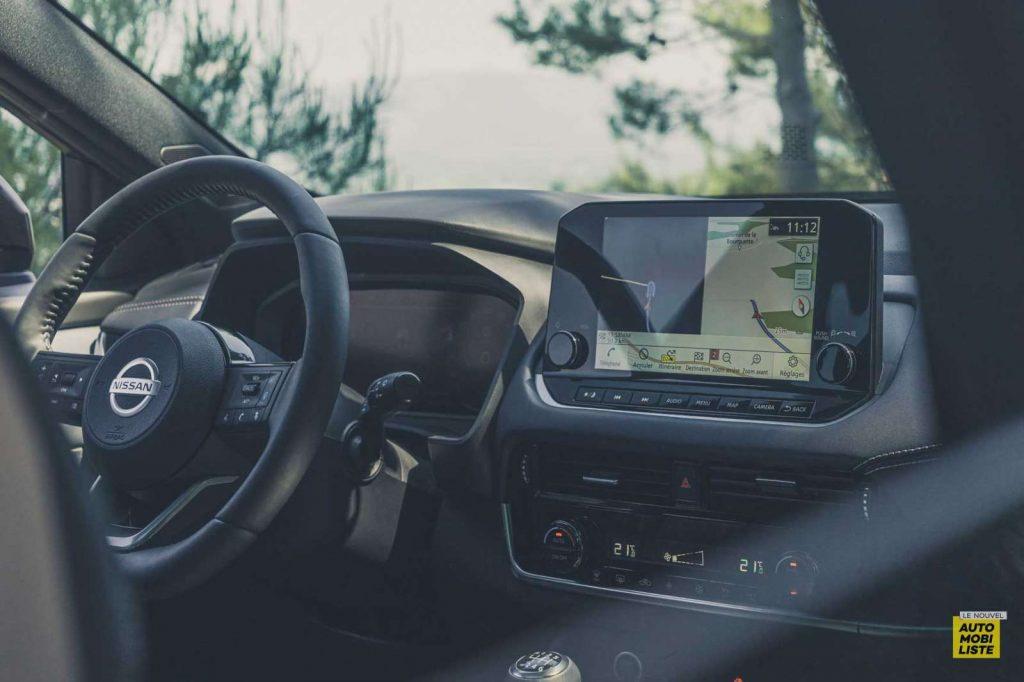 Essai Nissan Qashqai 140 Mildhybrid TeknaGris Argile GPS Tactile 12 pouces