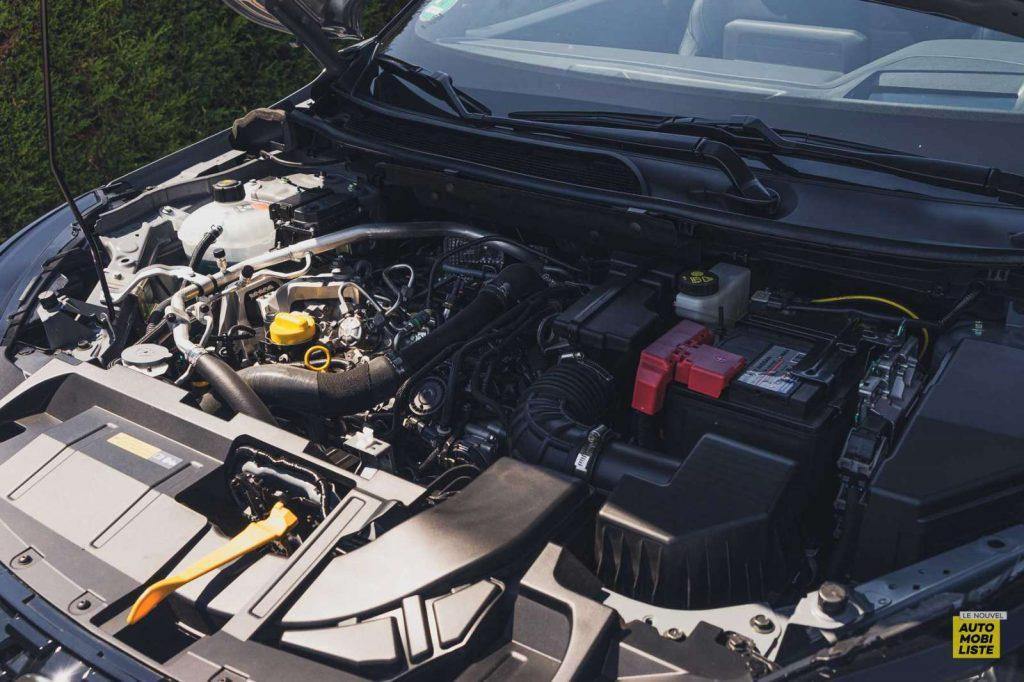 Essai Nissan Qashqai 140 Mildhybrid TeknaGris Argile Moteur 1.3 4 cylindres