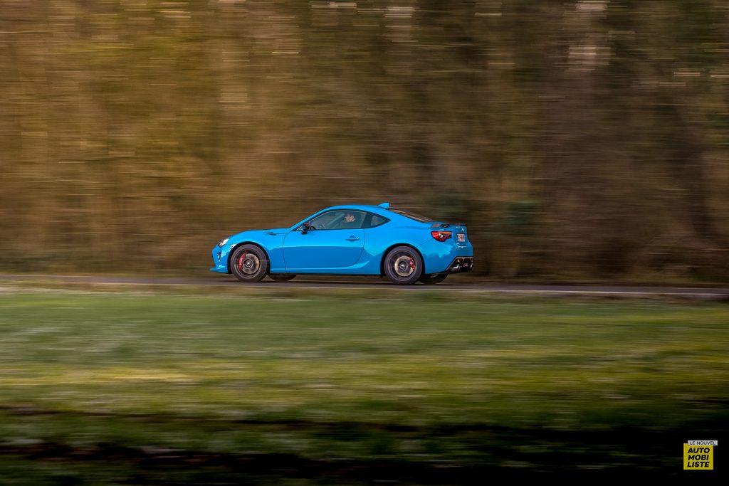 Essai Toyota GT86 D 4S Racing Blue Edition Vue dynamique
