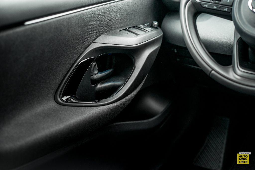 Essai Toyota Yaris La Premiere Edition Hybride Commande de vitres
