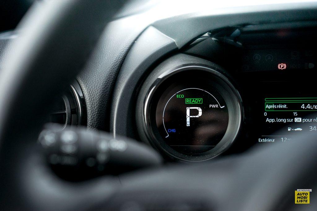 Essai Toyota Yaris La Premiere Edition Hybride Compteurs