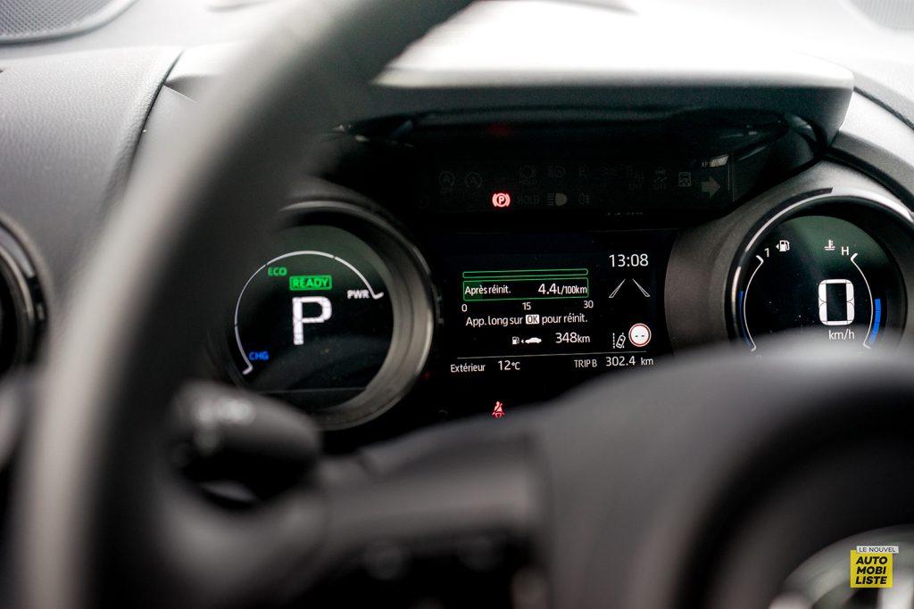 Essai Toyota Yaris La Premiere Edition Hybride Compteurs 2