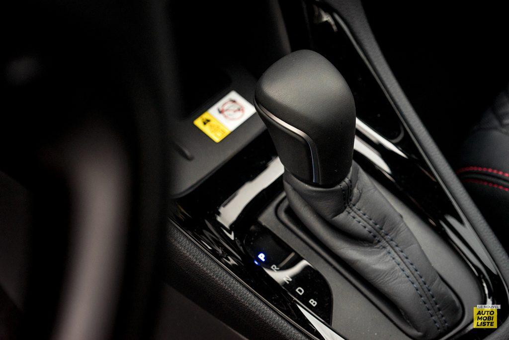 Essai Toyota Yaris La Premiere Edition Hybride Levier de vitesses