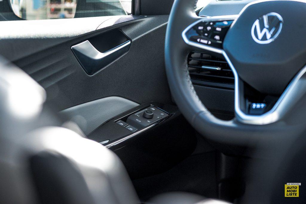 Essai VW ID.3 1st Max 58kWh 204ch contre porte commandes vitres