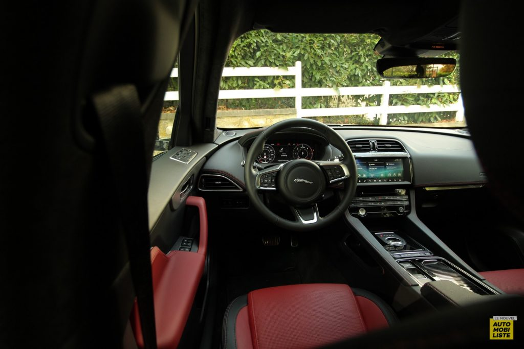 Jaguar F Pace LNA Dumoulin 2020 53
