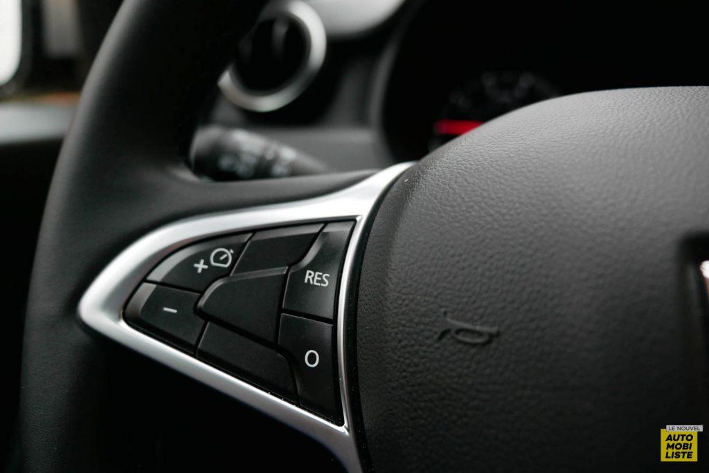 LNA 2007 Essai Dacia Duster Eco G Interieur Detail 004