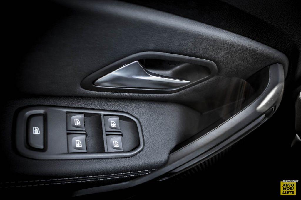 LNA 2007 Essai Dacia Duster Eco G Interieur Detail RB