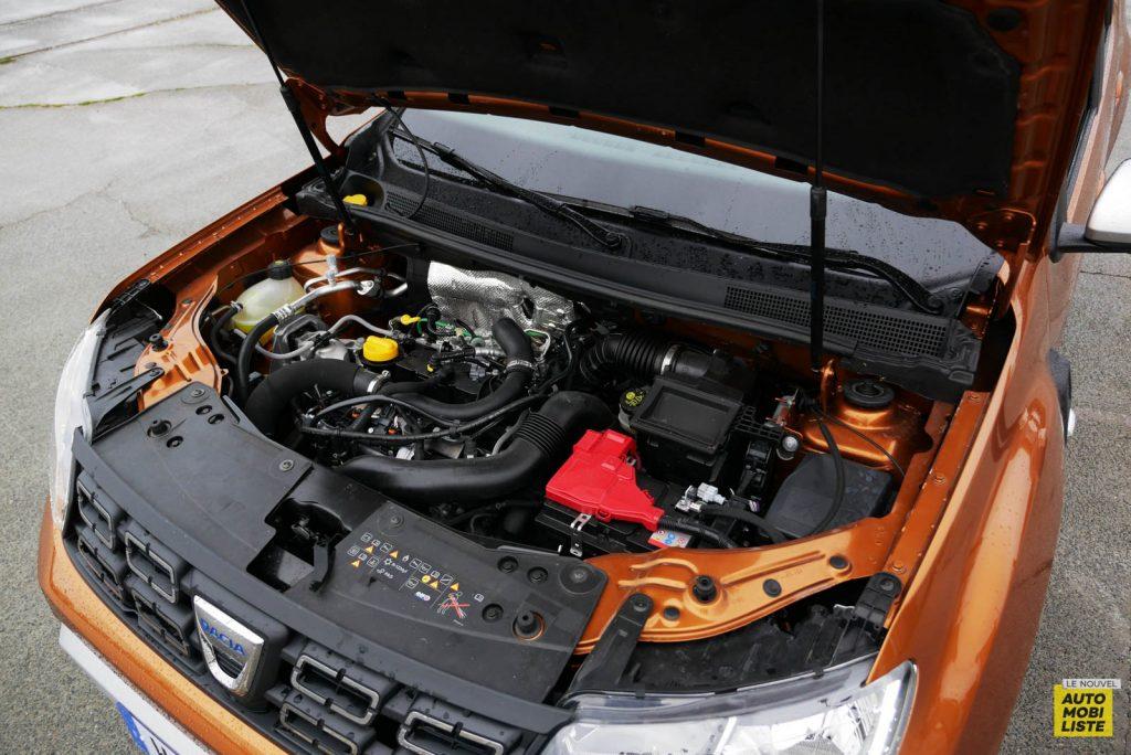 LNA 2007 Essai Dacia Duster Eco G Moteur 001