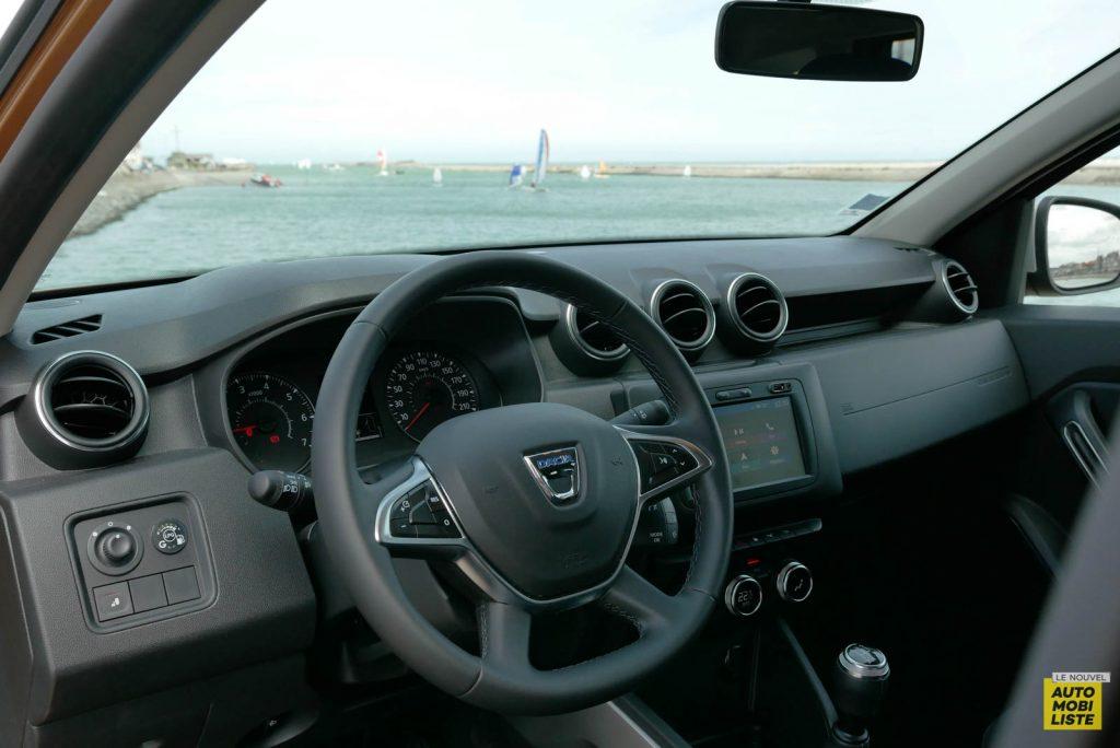 LNA 2007 Essai Dacia Duster Eco G Tableau de Bord 006