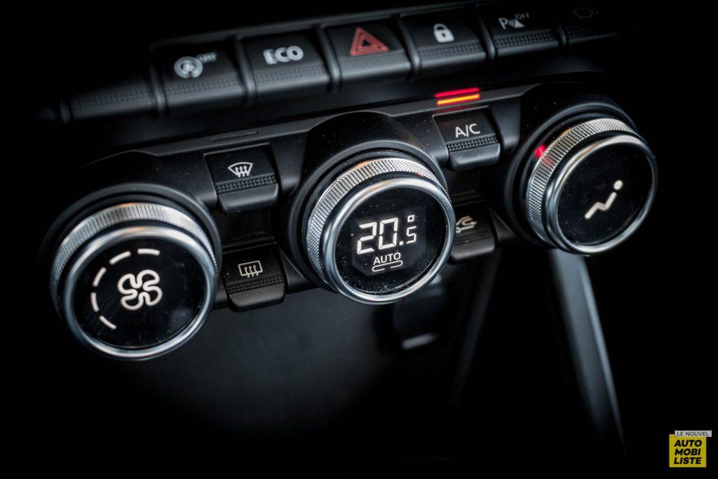 LNA 2007 Essai Dacia Duster Eco G Tableau de Bord RB 07