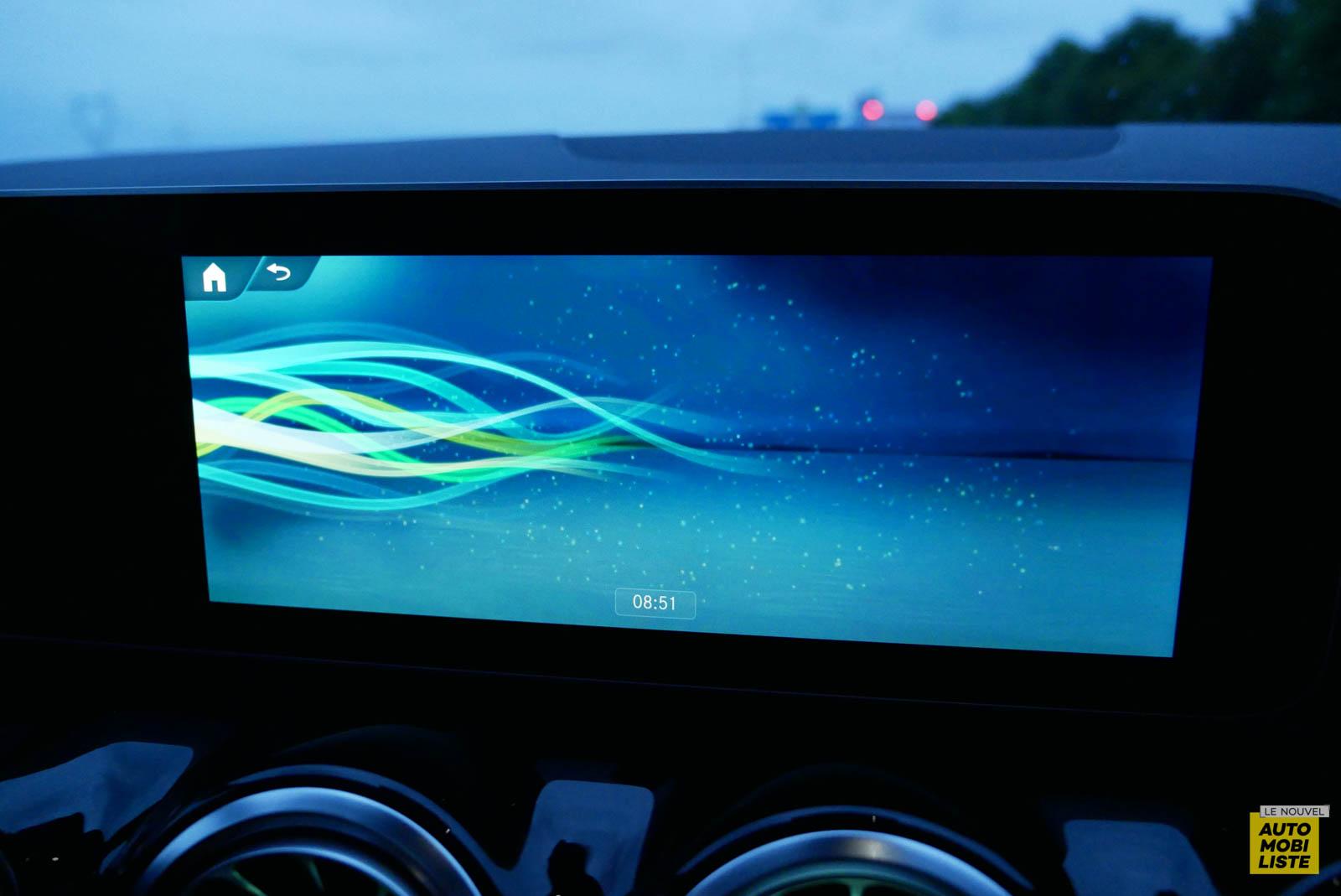 LNA 2007 Mercedes GLA Ecran 015