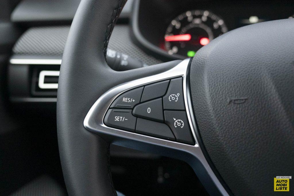 LNA 2011 Dacia Sandero TCe90 Comfort Interieur Detail 002