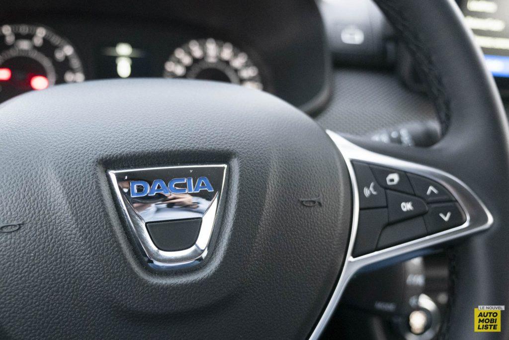 LNA 2011 Dacia Sandero TCe90 Comfort Interieur Detail 003
