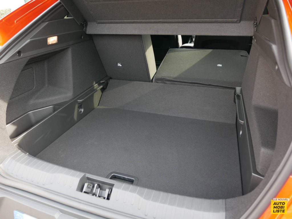 LNA 2103 ESSAI Renault Arkana TCe 140 Coffre 005