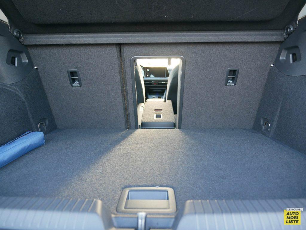 LNA ESSAI 2012 VW Golf eTSI Coffre 003