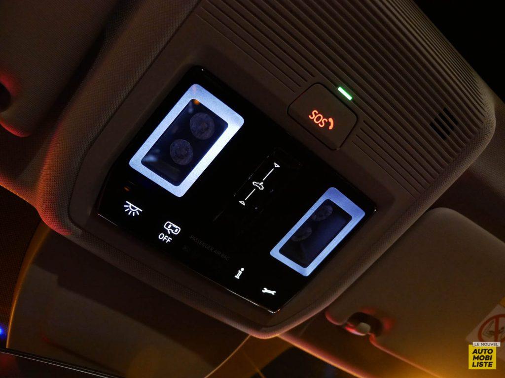 LNA ESSAI 2012 VW Golf eTSI Interieur Detail 001