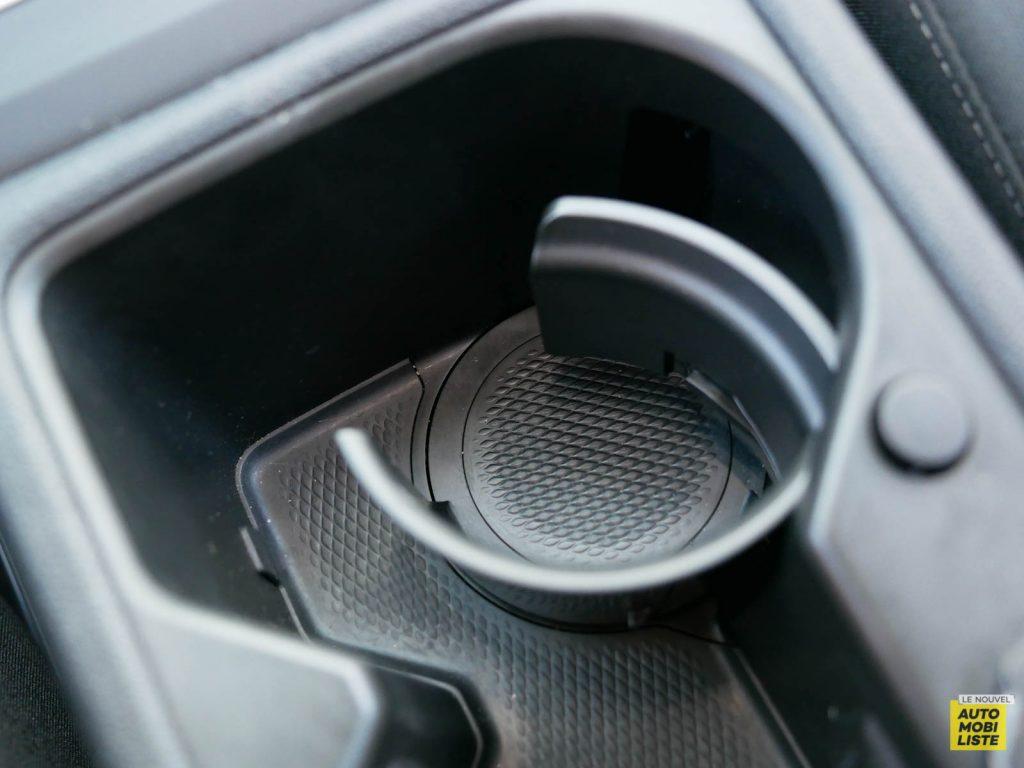 LNA ESSAI 2012 VW Golf eTSI Interieur Detail 007