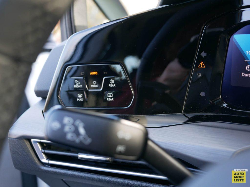 LNA ESSAI 2012 VW Golf eTSI Interieur Detail 010