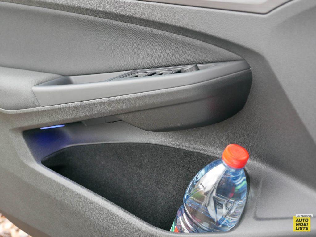 LNA ESSAI 2012 VW Golf eTSI Interieur Detail 014
