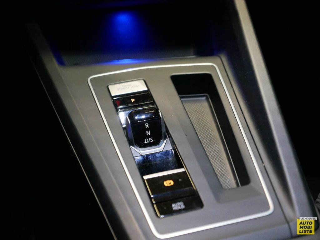 LNA ESSAI 2012 VW Golf eTSI Interieur Detail 017