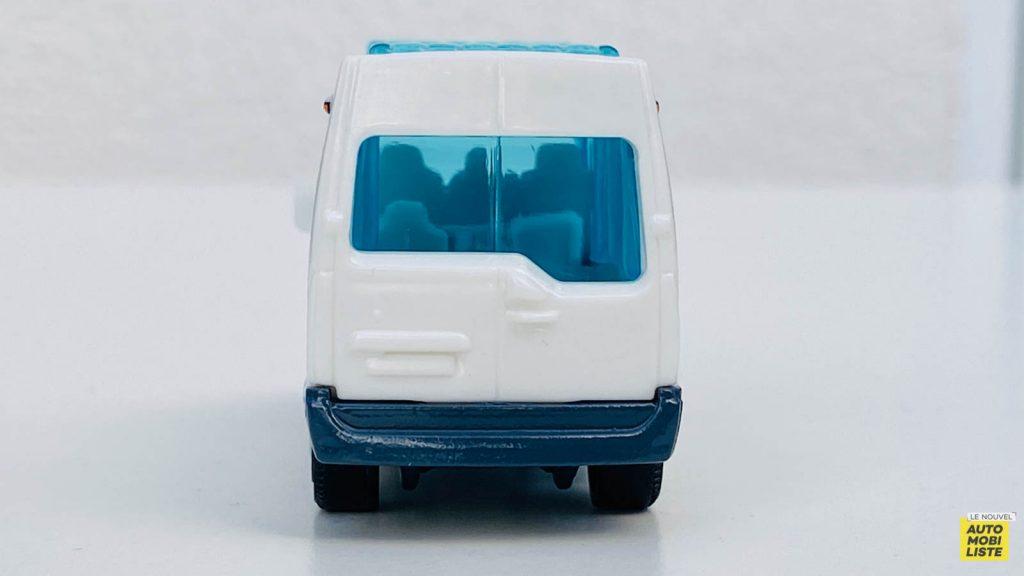 LNA LPA 210511 Matchbox France Renault Master 012