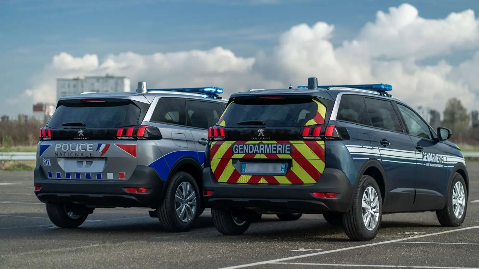 Peugeot 5008 police gendarmerie 19