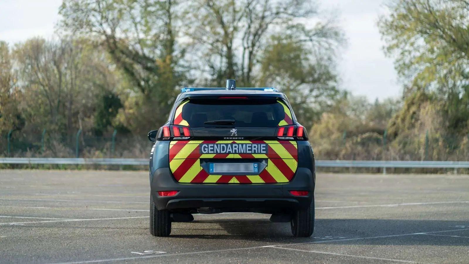 Peugeot 5008 police gendarmerie 9