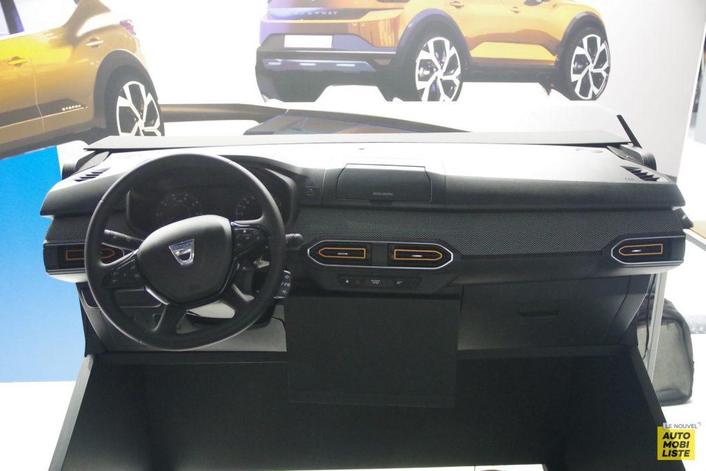 Planche de bord Dacia Sandero Media Control LNA FM 2
