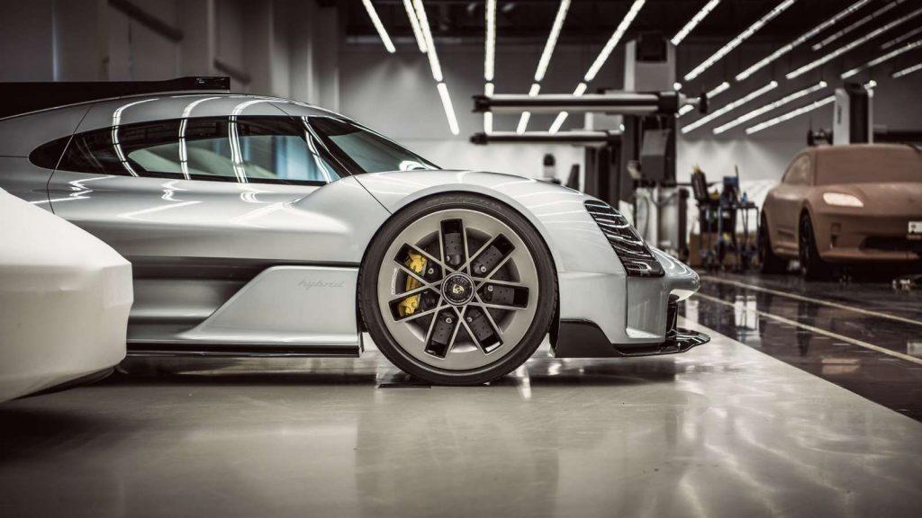 Porsche 919 Street 3