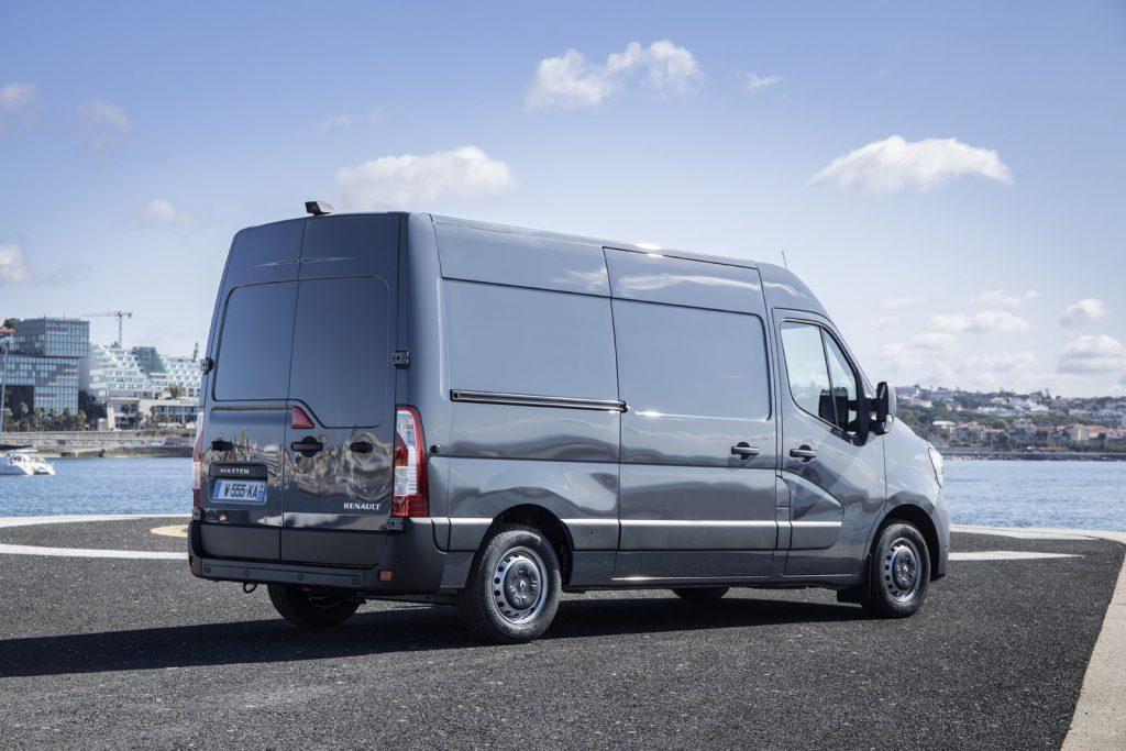 Renault Master 3.3 002