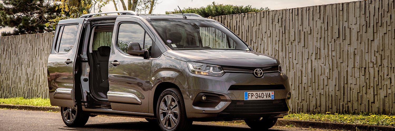 Toyota ProAce City Verso Dynamic Medium Gris Platinium Le Nouvel Automobiliste